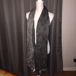 MK reversible scarf